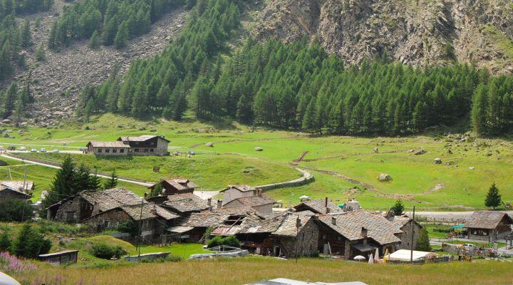 Valnontey, un borgo di montagna